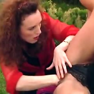 Milf with huge clit getting fisted