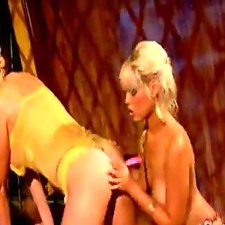 Jana rubs her clitoris