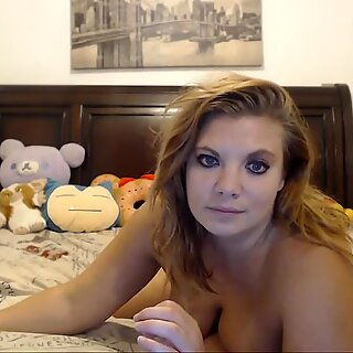 Bouncinbootie gives toy blowjob 20200908