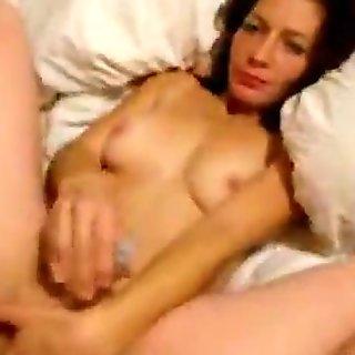 brunette lady massages clit during mish POV pene AmateurVideoHD.com