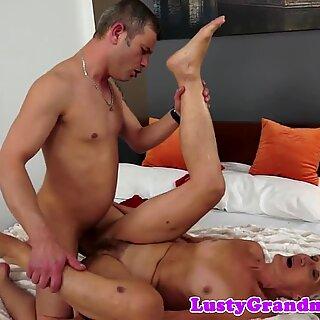Gorgeous gilf sucking hard cock