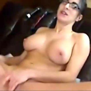 Squirting slut Bianca dildoing on live cam
