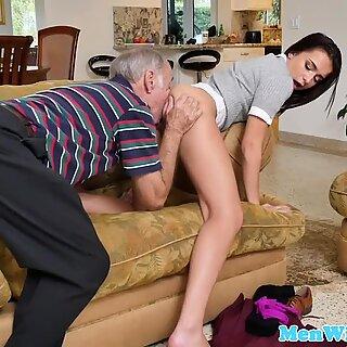 Real newbie gets a mouthful of oldman spunk