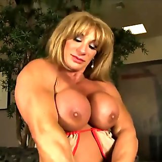 Pussy pumping clit fun with a beautiful strong women