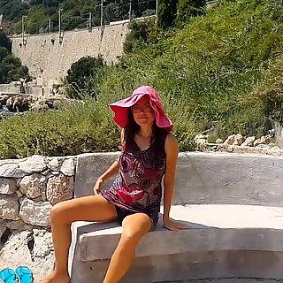 NO PANTIES under Dress & masturbation on PUBLIC trail