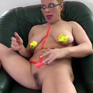 Mature mother with saggy globes need a good pound