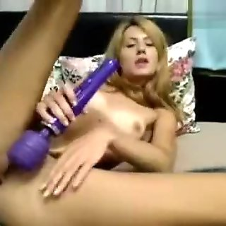 Blonde Georgy__Girl massages your clit with vibrator