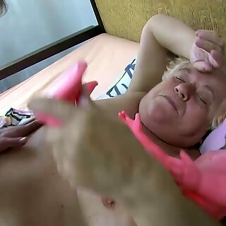 OldNanny Old Chubby lady granny sucks