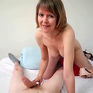 clubtug-Naughty granny point of view hand job