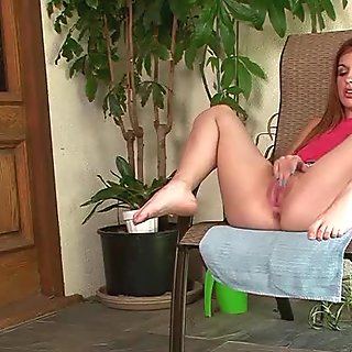 Pretty young Mackenzie Lohan puts on a show for you