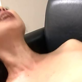 Getting her coochie vibed before real sex