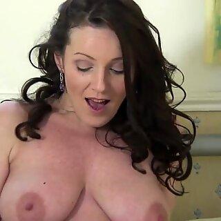 Hot Británico Madre le encanta masturbarse