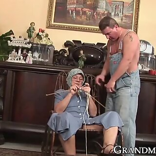 Ass licking granny gets cum all over her face and glasses
