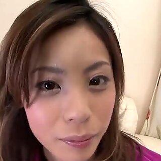 نيك غريب اليابانية عاهرة Natsumi إعطاء ريماجوب ولعق قلاوي
