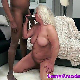 Красавици баба чукани от Big Черни Хуй