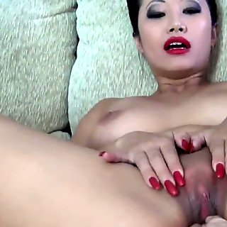 Hot Asian Amateur PornbabeTyra gets fingered