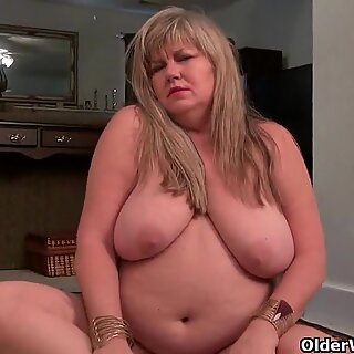 BBW milfs Love Goddess and Lisa need getting off