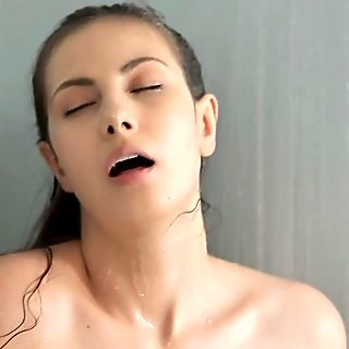 Softcore paramour fondles and drills her vagina