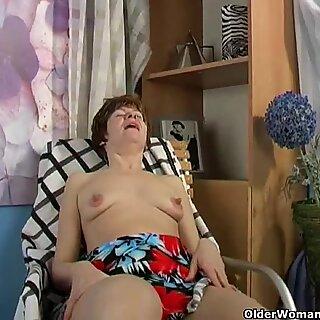 Besta Anna har lang og sugbar brystvist