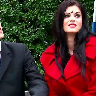 Koena Mitra & Fardeen Khan في هندية Bollywood Sex Song!