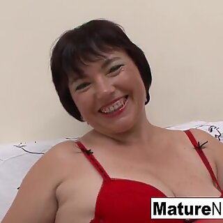 BBW granny fucks a younger guy on the couch