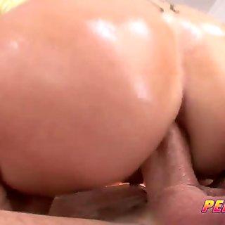 PervCity Curvy Dirty MOMs