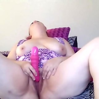 playing with my clit till I cum