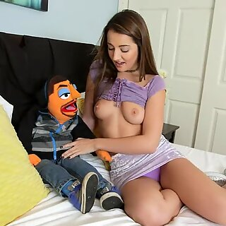 Kingz of Pop - Huge Facial for Lily Adams: Puppetporn @kingzofpop on Insta
